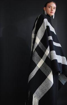 Black and white woven blanket - Desert Vintage