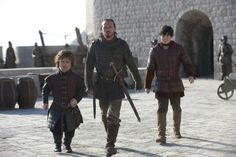 Tyrion Lannister si singurii lui prieteni.