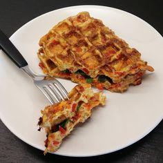 dk: Stop Spild Af Mad/Will It Waffle: Omelet af rester. Yummy Waffles, Omelet, Breakfast Recipes, Keto, Snacks, Dining, Nye, Foods, Collection