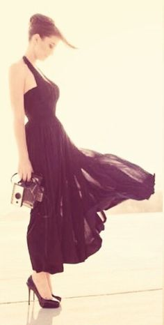 @aliroque can't wait for Sara Bareilles' Little Black Dress Tour! Can we wear little black dresses for the sake of being ironic? lol PS- this is a beautiful picture of her...