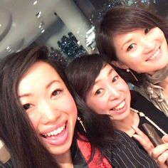 Instagram【kana_takasu】さんの写真をピンしています。 《仲良し三姉妹♡\( ˆoˆ )/♡ #ホント大好き #お姉様 #経営者 #個人事業主 #女性起業家 #尊敬 #先輩 #仲良し #六本木 #ヒルズクラブ #夜景 #立ち上げ #パーティー #酒 #立食 #三姉妹 #地方 #田舎から #www #気取る #love #sisters #hillsclub #party #alcohol #respect #pioneer #director》