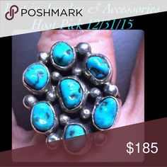 🎀Navajo Old Pawn Turquoise Sterling Silver Ring Vintage treasure! Gorgeous Old Pawn Navajo Turquoise nugget cluster sterling silver ring, size 7. Vintage Jewelry Rings