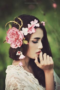 ❀ Flower Maiden Fantasy ❀ beautiful photography of women and flowers - Pink crown Pink Crown, Boho Stil, Floral Headpiece, Headpiece Wedding, Floral Hair, Fascinators, Headpieces, Bridal, Belle Photo