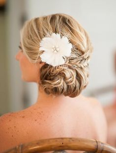 Romantic And Classy Wedding Hairstyle
