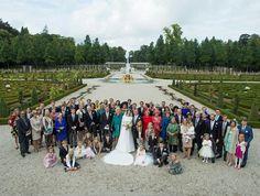Apeldoorn, 5 oktober 2013: Koning Willem-Alexander, Koningin Máxima en andere leden van de Koninklijke Familie zijn zaterdag 5 oktober 2013 aanwezig bij het kerkelijk huwelijk van Zijne Koninklijke Hoogheid Prins Jaime met Viktória Cservenyák.