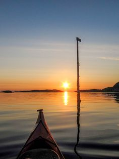 Kayaking at sunset by Hans Olav Elsebø
