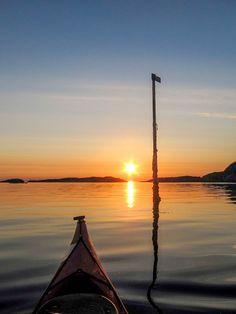 Kayaking at sunset by Hans Olav Elsebø