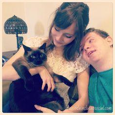 Este é o Kiko, o gato grandão do Caiquinho 😻🙇🏼 #socute #catlovers #downsyndrome #sindromededown #gatos #brasília #brasil
