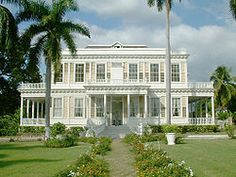 Visit Devon House – Kingston's most elegant surviving century mansion, magnificently furnished style. Built by Jamaica's first millionaire. Exterior Colonial, Colonial Mansion, British Colonial Style, Colonial Style Homes, Georgian Architecture, Amazing Architecture, Style At Home, Cabana, House Architecture