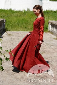 Red Medieval Dress Pretty Amaryllis por armstreet en Etsy