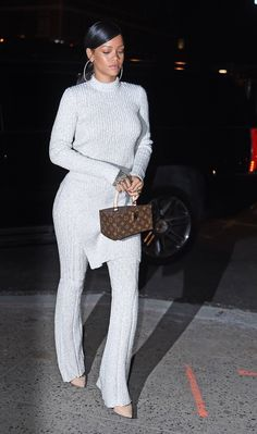 "November 3: Rihanna dines at ""Nobu"" restaurant in New York"