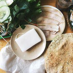 Thịt heo cuốn bánh tráng-Bếp Trang441 Ông Ích Khiêm Giá 40.000đ/phần by lozi_danang
