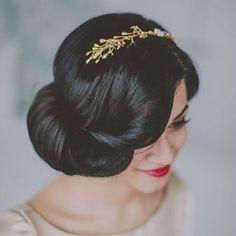 Penteado vintage e romântico