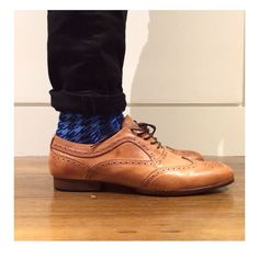 Our Blue Houndstooth Socks worn by pro snowboarder Scotty James #thekidhasstyle   Buy online at www.rockmysocks.com. We ship worldwide! Free postage within Australia, $5AUD flat rate international. All socks $15AUD a pair.  #mensfashion #mensstyle #designersocks #fashion #stylist #colorfulsocks #menssocks #socks #style #rockmysocks #houndstooth Polka Dot Socks, Patterned Socks, Colorful Socks, Designer Socks, Flat Rate, Timeless Classic, Fashion Stylist, Houndstooth, Grey And White