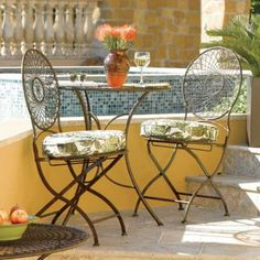 Metal Round Bistro Table and Set of 2 Chairs