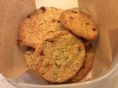 Honeycomb & Chocolate Chip Cookies in Small Box