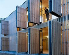 Wooden wall, open up! :: Holzbau austria – trade magazine for sustainable architecture :: Wood Architecture, Sustainable Architecture, Architecture Details, Facade Design, House Design, Barn Renovation, Wooden Shutters, Timber Cladding, Building Facade