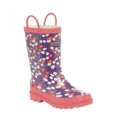 Regatta Great Outdoors Childrens/Kids Minnow Patterned Wellington Boots (3.5 Youth US) (Purple Heart). The kids Minnow Wellington Boot with its super cute printed patterns and colors is guaranteed to brighten up the grayest of winter days. Fully lined with natural cotton for added comfort and finished with a super grippy sole, they are adventure ready, whatever the weather. Vulcanised natural rubber construction - durable weather protection. Easy pull handles. Natural cotton lining.