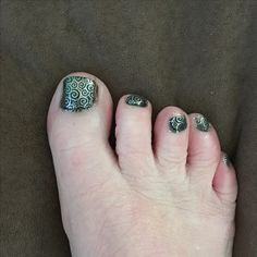 Matching toes