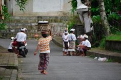 BALINESE PEOPLE | Credit to:  Maximilien SPORSCHILL | Website:   http://artissimo-photogal.com/category-28-bali-people?posisi=0 | From: @Artissimo | #balinese #bali #people #artissimoBALINESE PEOPLE | Credit to:  Maximilien SPORSCHILL | Website:   http://artissimo-photogal.com/category-28-bali-people?posisi=0 | From: @Artissimo | #balinese #bali #people #artissimo