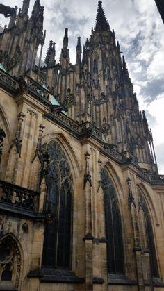 Прага- Собор Святого Вита Barcelona Cathedral, Building, Travel, Viajes, Buildings, Traveling, Trips, Tourism, Architectural Engineering
