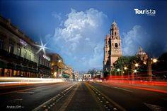 Ningún otro lugar como #MoreliademisAmores, su belleza es inigualable y su imponente Catedral te robará el corazón! Qué esperas para disfrutar de un domingo en familia! Hotel Casona Rosa, tiene las mejores tarifas para ti. http://www.casonarosa.com/