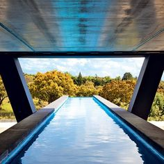 Flow over pool Interior Blogs, Best Interior, Facade Architecture, Amazing Architecture, Archi Design, Madrid, Cool Pools, Pool Designs, Airplane View