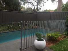 Looking for quality glass pool fence installation in Perth and Bunbury WA? Contact us today for free quote on glass pool fencing cost. Aluminum Pool Fence, Metal Pool, Glass Pool Fencing, Pool Gazebo, Backyard Pool Landscaping, Backyard Pergola, Pergola Ideas, Patio Roof, Pergola Plans