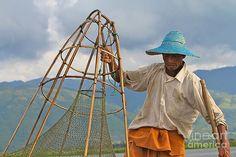 Gail Palethorpe - Fishermen of Inlet Lake Myanmar 7