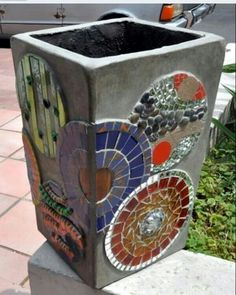 Mosaik-Kaktus-Töpfe, – Rebel Without Applause Mosaic Planters, Mosaic Vase, Mosaic Flower Pots, Mosaic Tiles, Mosaics, Mosaic Crafts, Mosaic Projects, Mosaic Stepping Stones, Pot Jardin