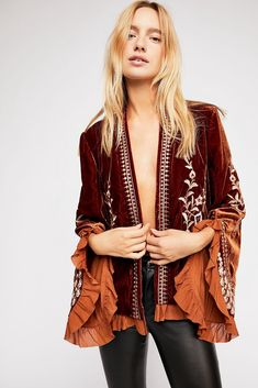Free People Paisley Park Jacket - S Boho Outfits, Vintage Outfits, Fashion Outfits, Sweat Shirt, Anthropologie Clothing, Plus Size Clothing Online, Mode Boho, Velvet Jacket, Velvet Shirt Dress