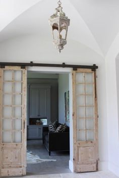 Home Decor: Modern and Rustic Interior Sliding Barn Door Designs. Find design inspiration with these beautiful modern and rustic sliding barn door designs. With DIY kits available, anything can be transformed into a barn door. Interior Sliding Barn Doors, Sliding Barn Door Hardware, Sliding Doors, Door Hinges, Sliding Cupboard, Cupboard Doors, Dutch Door Interior, Door Latches, Barn Door Designs
