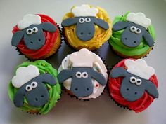 Shaun the Sheep cupcakes :)