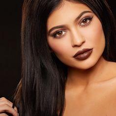 Kylie Jenner fala sobre o seu kit de batom que esgotou em 30 segundos