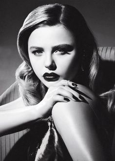 Chloe Grace Moretz. This 17 yrs old sure knows how to give old Hollywood glamour.
