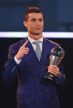 Football Players Names, Football Awards, Fifa Football, Watch Football, Ronaldo Hd Images, Ronaldo Wallpapers, Foto Cristiano Ronaldo, Cristino Ronaldo, Pirate Names