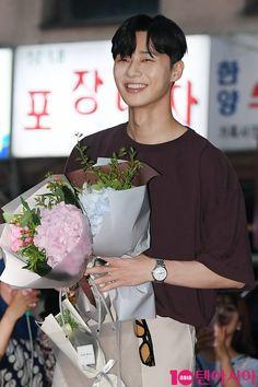 Park Seo Joon Instagram, Korean Celebrities, Celebs, Lee Minh Ho, Joon Park, Korean Shows, Park Seo Jun, Handsome Korean Actors, Park Min Young