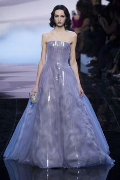 Armani Privé Spring 2016 Couture Fashion Show. Ohhhh that is gorgeous. Jessica Chastain, make me happy in this fluffy lavender cupcake.