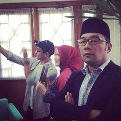 Foto Ridwan Kamil Keki Istri Sibuk Selfie Bareng Afgan