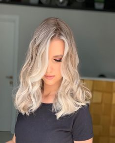 Awesome And Perfect Blonde Hair Color Ideas Copper Highlights On Brown Hair, Golden Brown Hair Color, Copper Hair, Brown Hair Colors, Hair Highlights, Perfect Blonde Hair, Brown Blonde Hair, Medium Brown Hair, Hair Color Shades