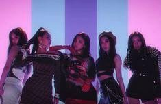 South Korean K-pop label JYP Entertainment announced ITZY, its first new girl group since TWICE. Kpop Girl Groups, Kpop Girls, Kpop Entertainment, Entertainment Center, Euna Kim, Programa Musical, Korean K Pop, Soyeon, Album