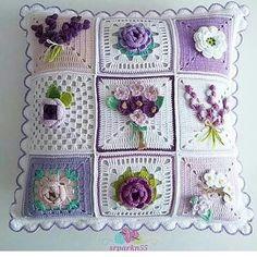 Crochet Granny Square Pattern Flower Afghans Ideas For 2019 Crochet Cushion Cover, Crochet Pillow Pattern, Crochet Cushions, Granny Square Crochet Pattern, Crochet Flower Patterns, Crochet Afghans, Crochet Squares, Crochet Granny, Crochet Motif