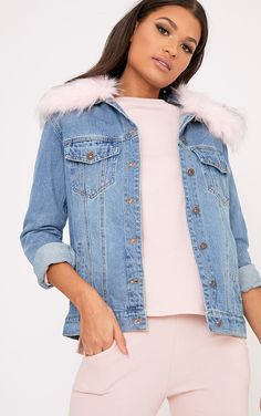 Light Pink Faux Fur Collar Oversized Denim JacketA classic denim jacket with a touch of instant g...