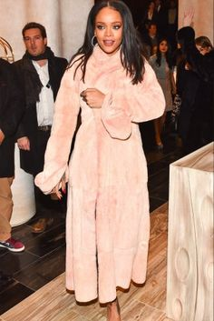 Coat of the moment: Rihanna