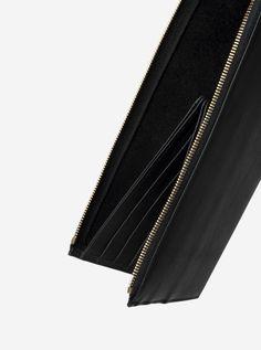 cm13-wallet-black-leather Accessories Shop, Fashion Accessories, Leather Case, Zip Around Wallet, Black Leather, Purses, Detail, Gold, Bags