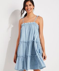 Shop Gustavia Block Print Tiered Chambray Dress at vineyard vines Chic Dress, Dress Up, Chambray Dress, Casual Summer Dresses, Trendy Tops, Trendy Outfits, Trendy Clothing, Spring Summer Fashion, Short Sleeve Dresses