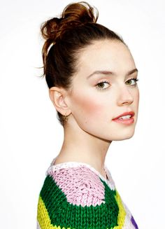 Daisy Ridley [x-post from /r/DaisyRidley] Daisy Ridley Hot, Daisy Ridley Star Wars, Beautiful People, Beautiful Women, Actrices Sexy, English Actresses, Natalie Portman, Girl Crushes, Beautiful Actresses