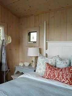 Sarah Richardson Design - Sarah's Cottage/Summer Home (Bunkie) Cottage Style Bedrooms, Style Cottage, Modern Cottage, Cottage Living, Home Bedroom, Bedroom Ideas, Red Bedrooms, Master Bedroom, Cottage Interiors