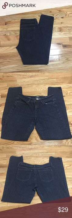 Ann Taylor LOFT JEANS Size 4 modern skinny Ann Taylor LOFT DARK WASH JEANS. Perfect condition, no rips,stains, holes or fraying. Inseam 29 Ann Taylor LOFT Jeans Skinny