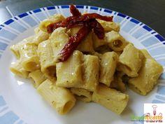 Mezze maniche alla crema di ceci e pomodori secchi grigliati  #ricette #food #recipes